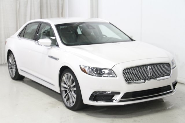 Pre-Owned 2017 Lincoln Continental Select